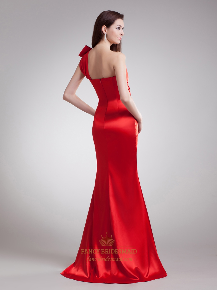Red Mermaid One Shoulder Satin Ruched Prom Dress With