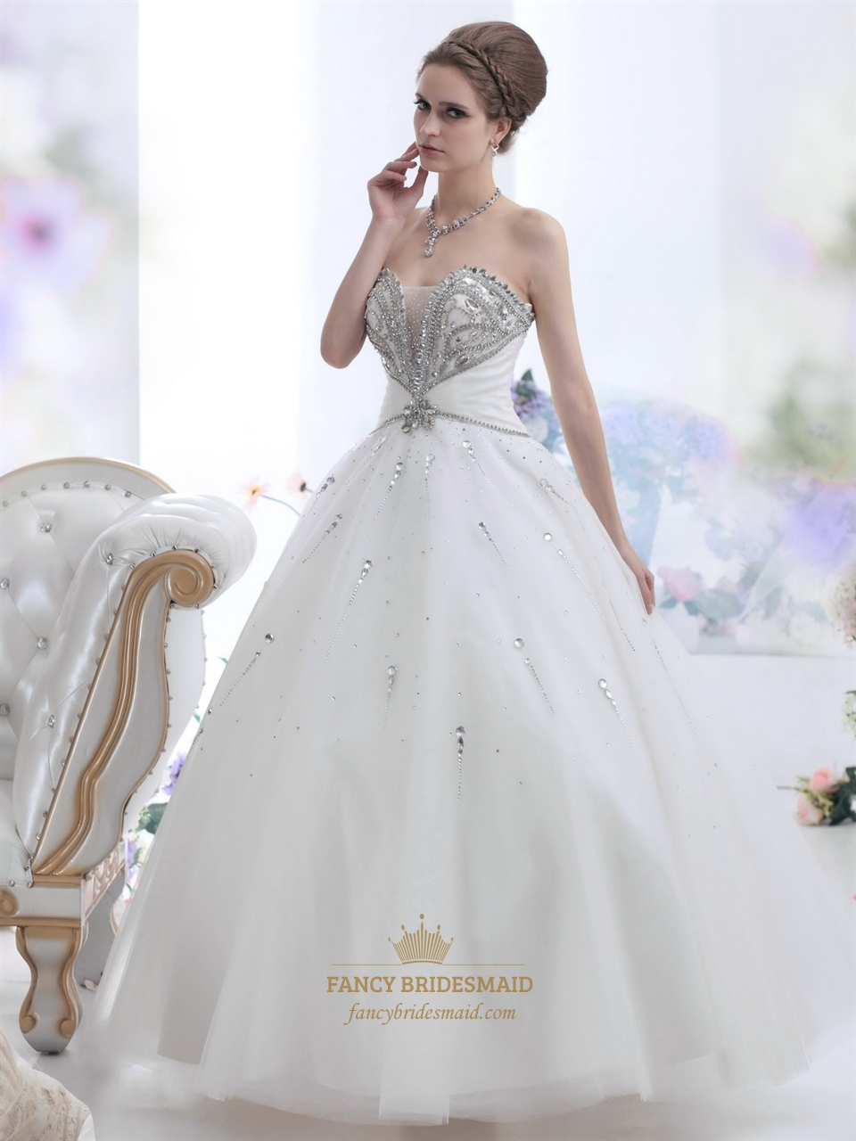 When should i buy my wedding dress