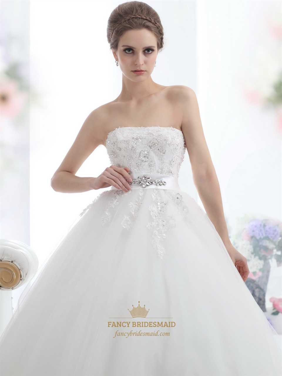 Ivory Strapless Beaded Appliques Tulle Wedding Dresses