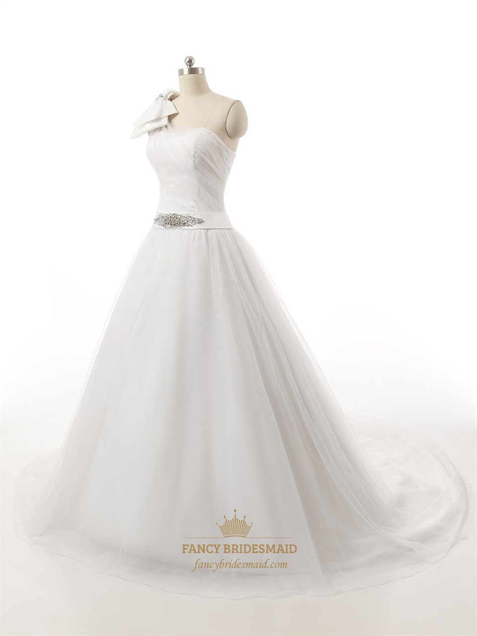 white one shoulder bow tulle wedding dress with beaded