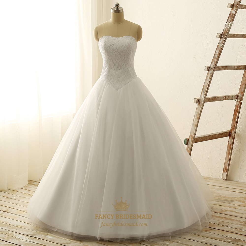 White strapless lace bodice tulle wedding dress with lace for White strapless wedding dresses