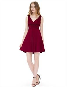 Sleeveless V-Neck Ruched Knee Length Cocktail Dress