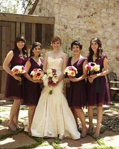 Simple Grape V-Neck Knee Length A-Line Ruched Chiffon Bridesmaid Dress
