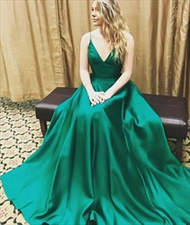 Emerald Green V Neck Spaghetti Strap Sleeveless Ball Gown Prom Dress