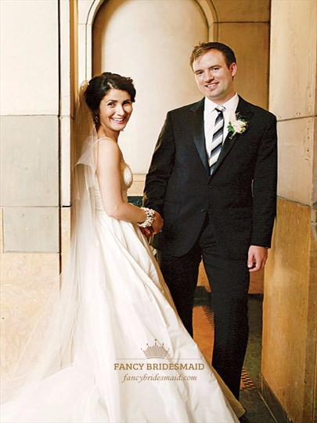 Ivory Spaghetti Strap Sleeveless Long Ball Gown Wedding Dress