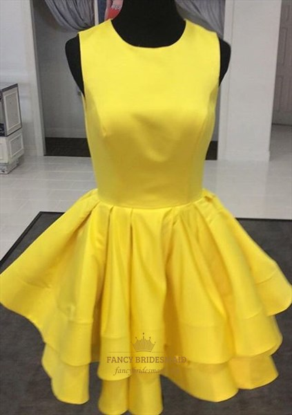 Yellow Ruffled Knee Length Sleeveless Homecoming Dress