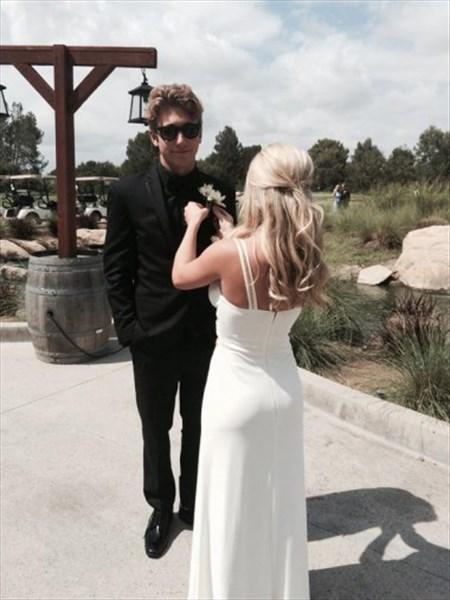 White Sleeveless Deep V-Neck Beaded Embellished Prom Dress With Split