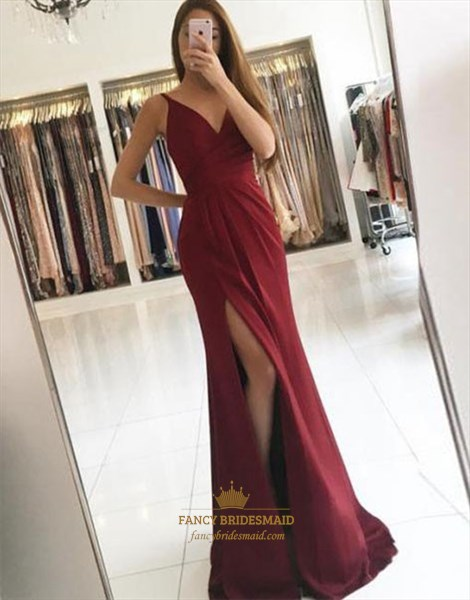Elegant Burgundy V-Neck Sleeveless Long Evening Dress With Front Split