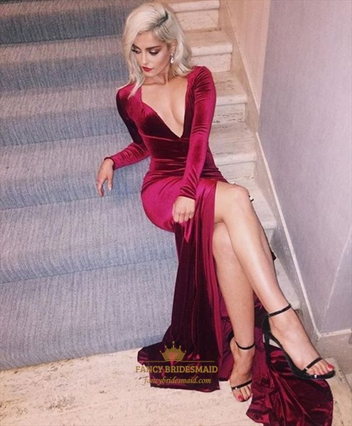 Burgundy V Neck Long Sleeve Sheath Prom Dresses With Split And Train