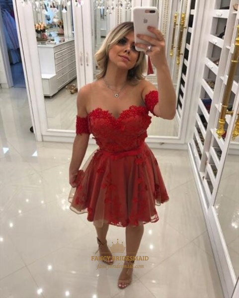 Red Sweetheart Cap Sleeve Lace Applique Tulle Short Prom Dresses