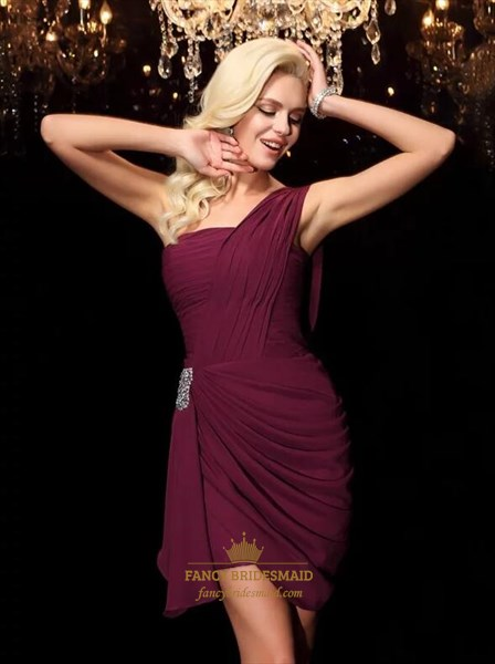 Burgundy One Shoulder Ruched Bodice Crystal Sheath Short Prom Dresses