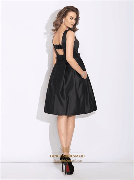 Bateau Neck Sleeveless Keyhole Satin Short Dress With Bow And Pockets