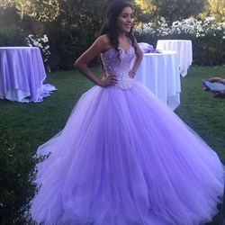 Elegant Lilac Sweetheart Sleeveless Beaded Ball Gown Tulle Prom Dress