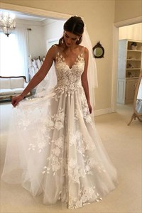 Elegant V Neck Backless Tulle Wedding Dresses With Lace Applique