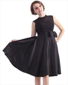 Black Sleeveless High Neck Knee-Length Cocktail Dress With Bow