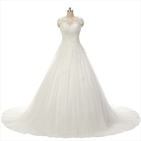 Sleeveless Sweetheart Neckline Ball Gown Lace Wedding Dress