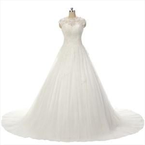 Sleeveless Sweetheart Neckline Ball Gown Lace Wedding Dress
